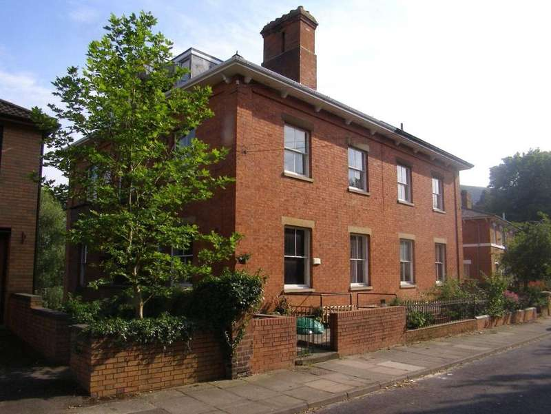 2 Bedrooms Apartment Flat for sale in Somers Road, Malvern, Worcestershire, WR14