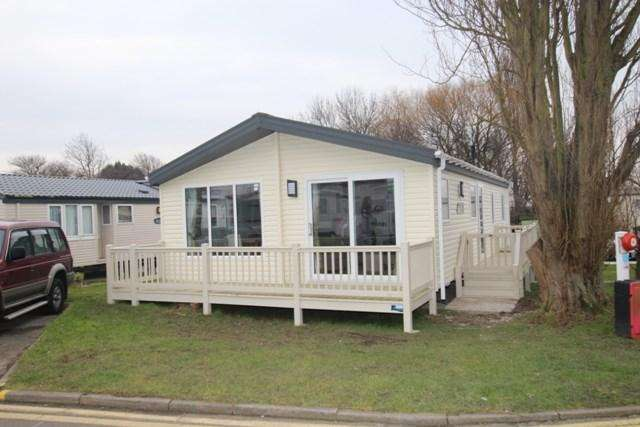 2 Bedrooms Caravan Mobile Home for sale in Hall Lane, Walton On The Naze