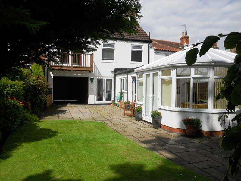 4 Bedrooms Terraced House for sale in Souttergate, Hedon, Hull