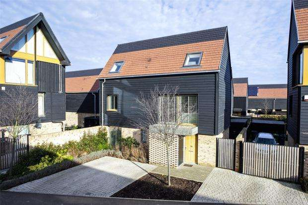4 Bedrooms Town House for sale in Royal Way, Trumpington, Cambridge