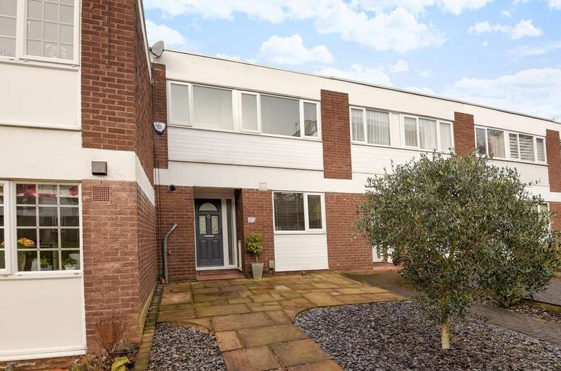 3 Bedrooms Terraced House for sale in Springbourne Court Beckenham BR3