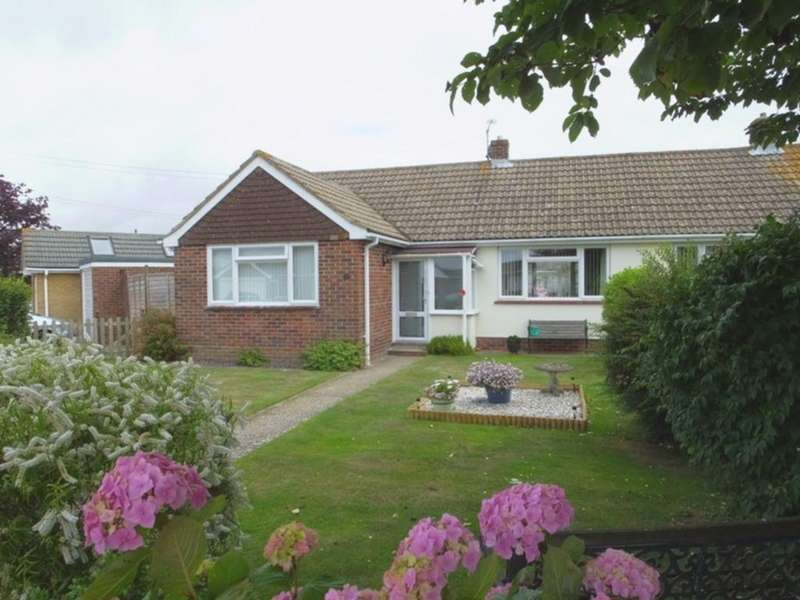 2 Bedrooms Bungalow for sale in Harman Avenue, Lympne, CT21