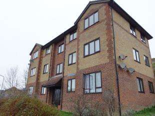 1 Bedroom Flat for sale in Magpie Lodge, Mayfield Avenue, Dover, Kent