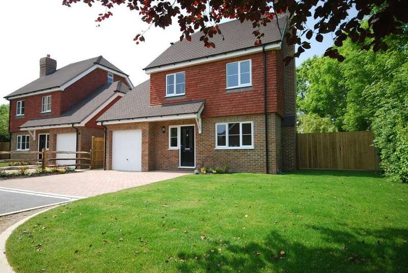 4 Bedrooms Detached House for sale in Bowen Road, Rusthall