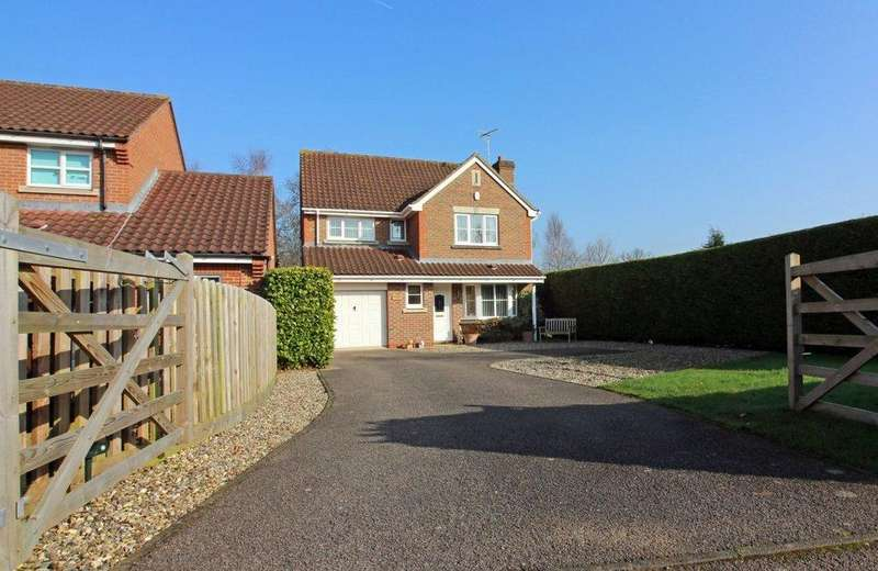 4 Bedrooms Detached House for sale in Brick Kiln Road, North Walsham