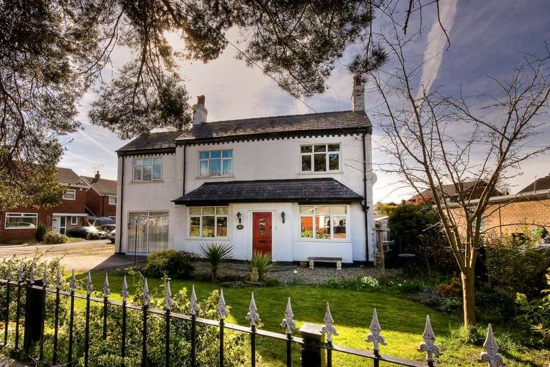 4 Bedrooms Detached House for sale in Pickmere Lane, Wincham