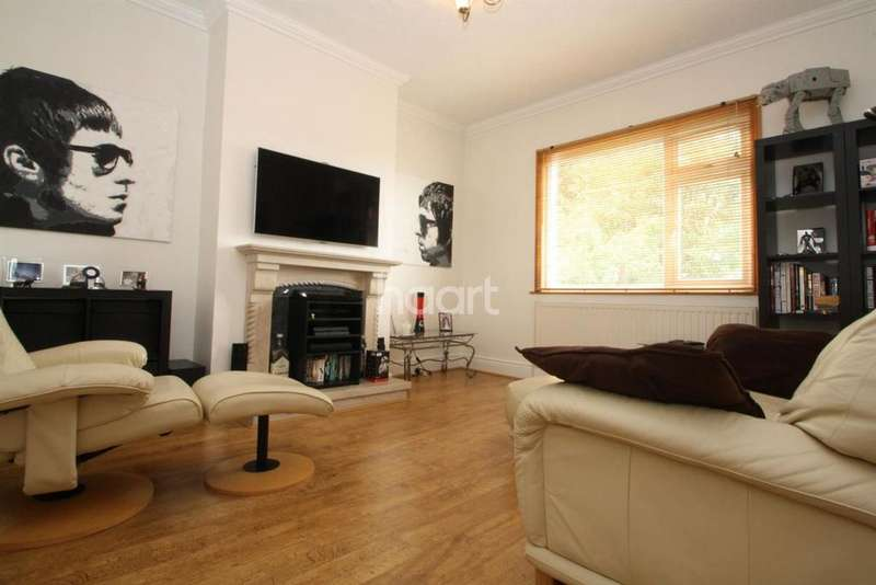 3 Bedrooms Flat for sale in Leigham Court Drive, Leigh on Sea