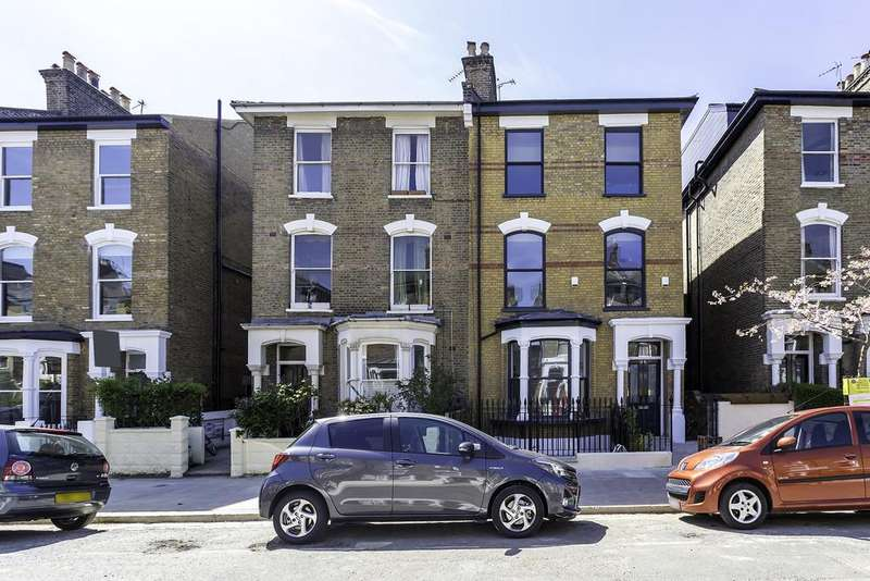 3 Bedrooms Apartment Flat for sale in Wilberforce Road, N4 2SR