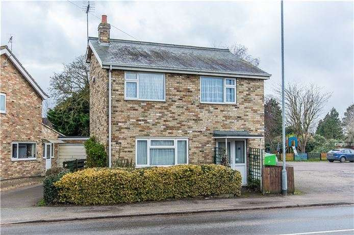 3 Bedrooms Detached House for sale in Denny End Road, Waterbeach, Cambridge