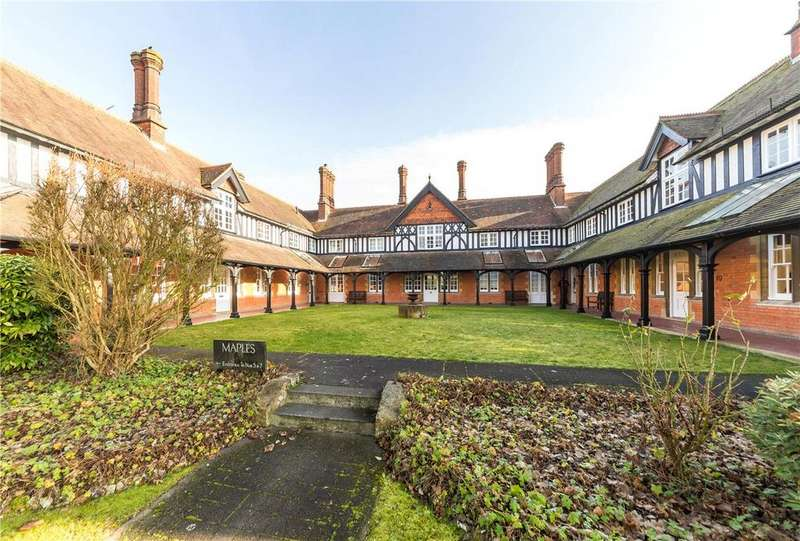 1 Bedroom Flat for sale in Maples, Harpenden, Hertfordshire