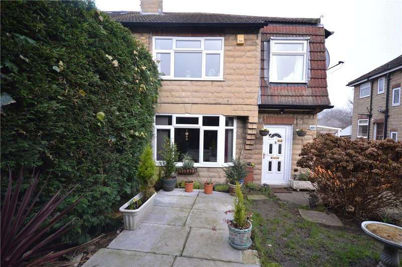 4 Bedrooms Semi Detached House for sale in Buckstone Oval, Alwoodley, Leeds