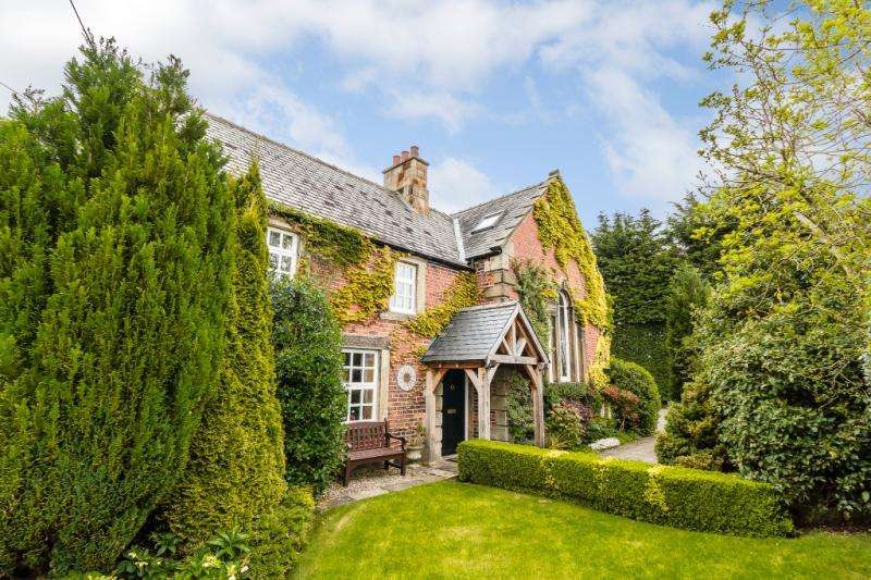 4 Bedrooms Detached House for sale in The Schoolhouse, Kirkley March, Ponteland, Northumberland
