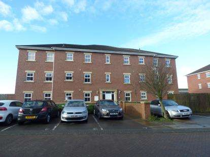 1 Bedroom Flat for sale in Meadowbrook Court, Morley, Leeds, West Yorkshire