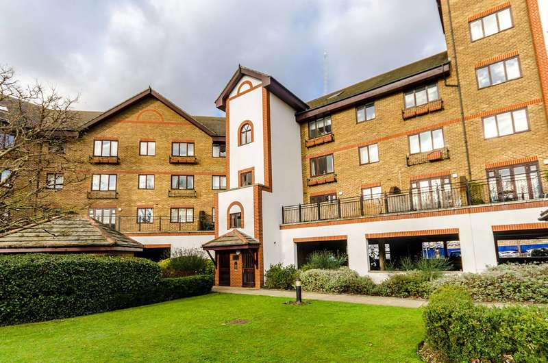 1 Bedroom Flat for sale in Regents Court, Kingston, KT2