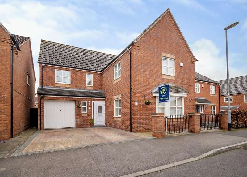 4 Bedrooms Detached House for sale in Johnson Way, Beeston