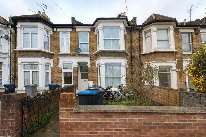 3 Bedrooms Flat for sale in Strode Road, London, NW10