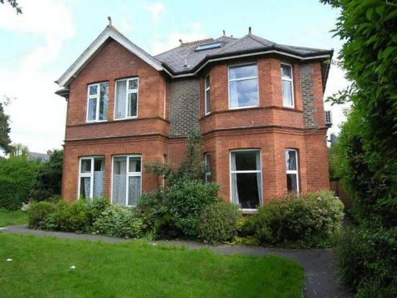 9 Bedrooms Flat for rent in Charminster Road