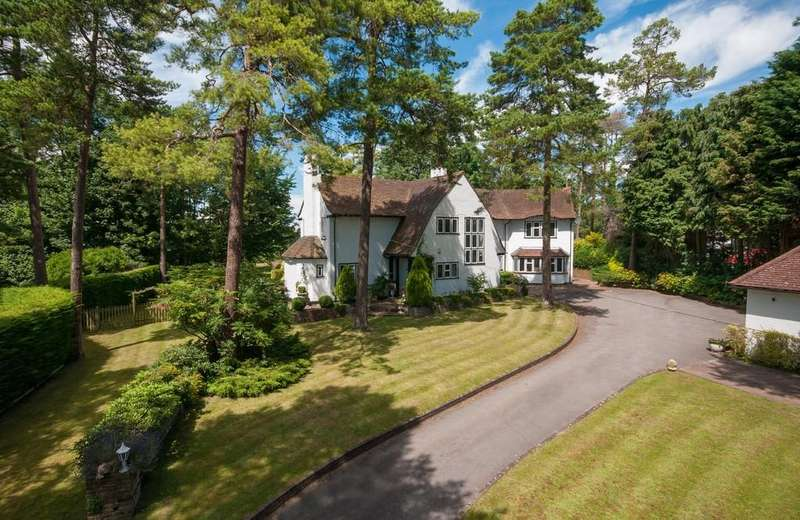 5 Bedrooms Detached House for sale in Langley Vale Road, Epsom