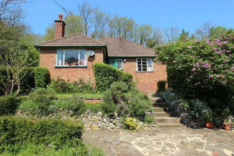 3 Bedrooms Detached Bungalow for sale in Chipstead Lane, Lower Kingswood