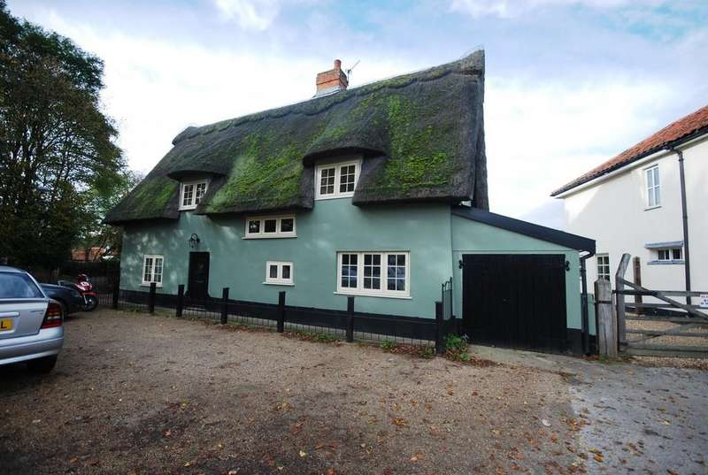 3 Bedrooms Detached House for sale in East Harling