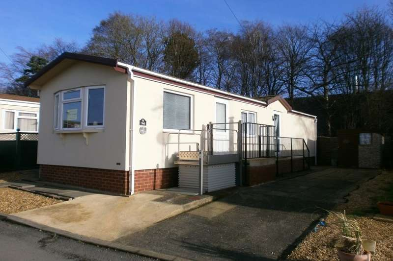 2 Bedrooms Bungalow for sale in Fengate Mobile Home Park, Peterborough, PE1