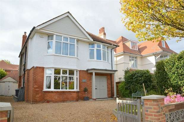 4 Bedrooms Detached House for sale in Southwood Avenue, Southbourne, Bournemouth
