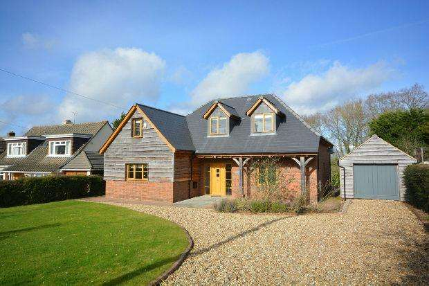 4 Bedrooms Detached House for sale in West Wellow