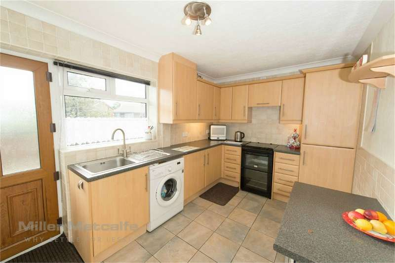 2 Bedrooms Semi Detached Bungalow for sale in Sandringham Road, Horwich, Bolton, Lancashire
