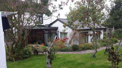 4 Bedrooms Detached House for sale in Castle Road, Coedpoeth, Wrexham, Wrecsam, LL11