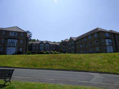 1 Bedroom Flat for sale in Egypt Esplanade, Cowes, Isle Of Wight