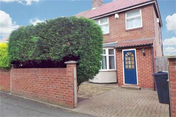 3 Bedrooms Semi Detached House for sale in Holmside Avenue, Gateshead, Tyne and Wear