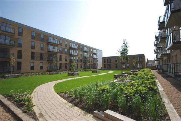 2 Bedrooms Apartment Flat for sale in Lawrie House, 3 Durnsford Road, Wimbledon