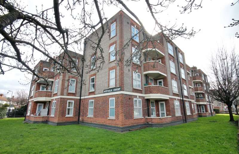 3 Bedrooms Flat for sale in Malden Way, New Malden