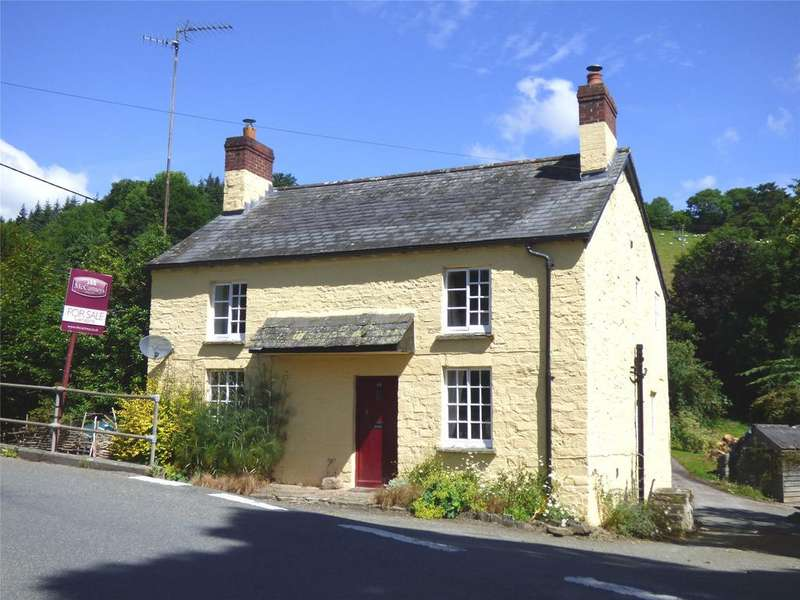 4 Bedrooms Detached House for sale in The Village, Clyro, Hereford