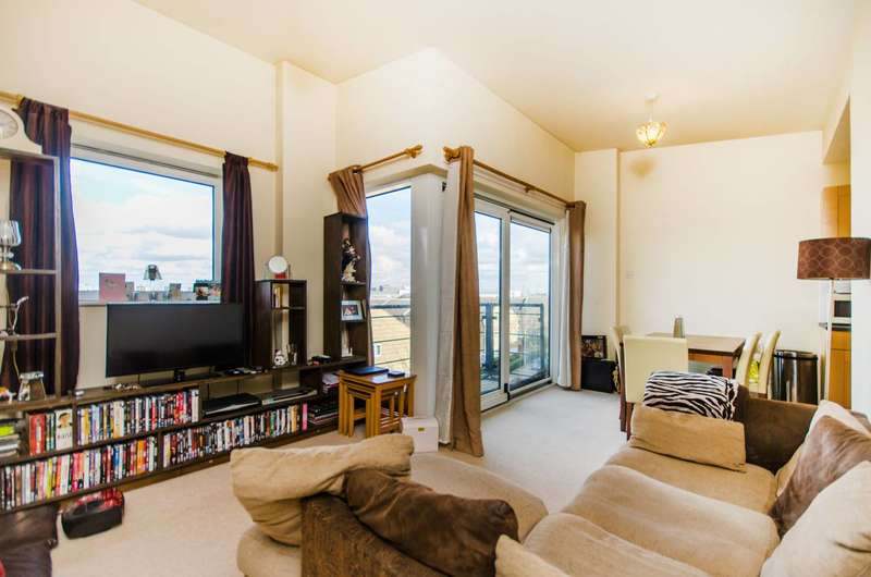 1 Bedroom Flat for sale in Fishguard Way, Docklands, E16