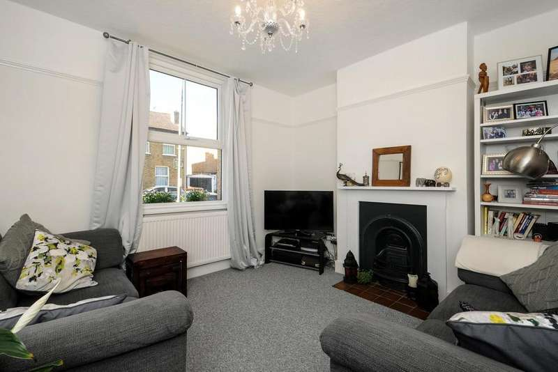 2 Bedrooms Semi Detached House for sale in Newbury Road, Bromley, BR2