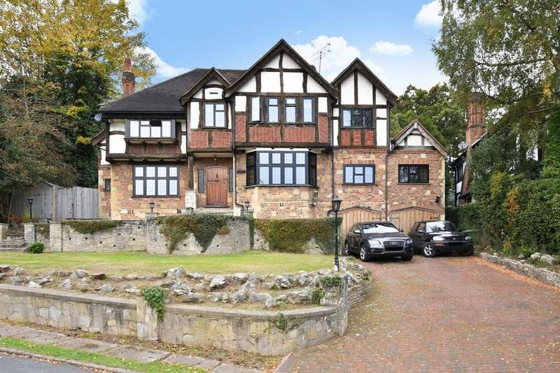 4 Bedrooms Detached House for sale in Priory Close, Chislehurst, BR7