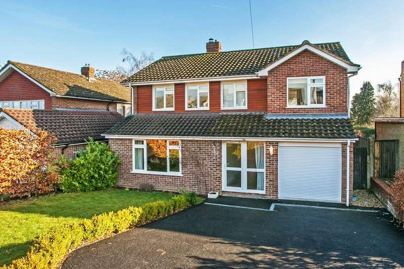 5 Bedrooms Detached House for sale in Hillside Road, Teg Down, Winchester, SO22