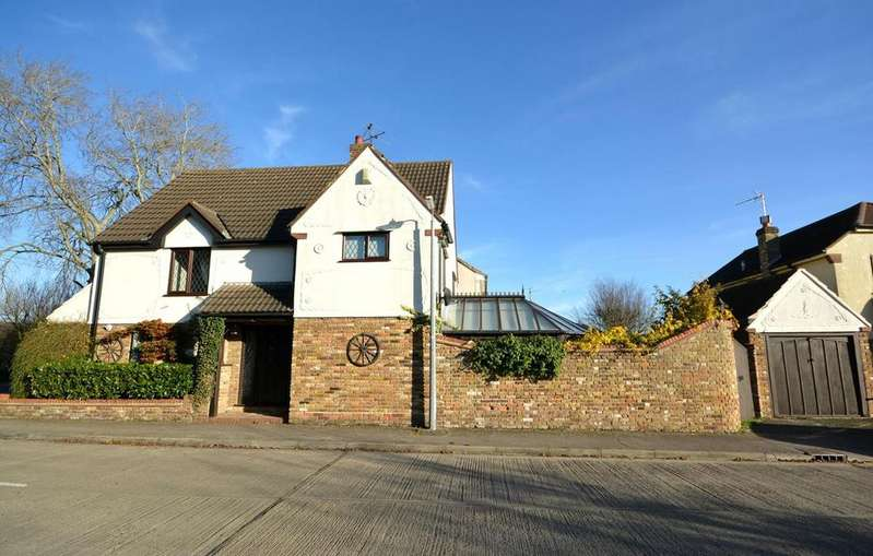 3 Bedrooms Detached House for sale in Leyfields, Rayne, Braintree, Essex, CM77