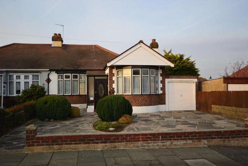 2 Bedrooms Semi Detached Bungalow for sale in Upland Court Road, Harold Wood, Romford, Essex, RM3