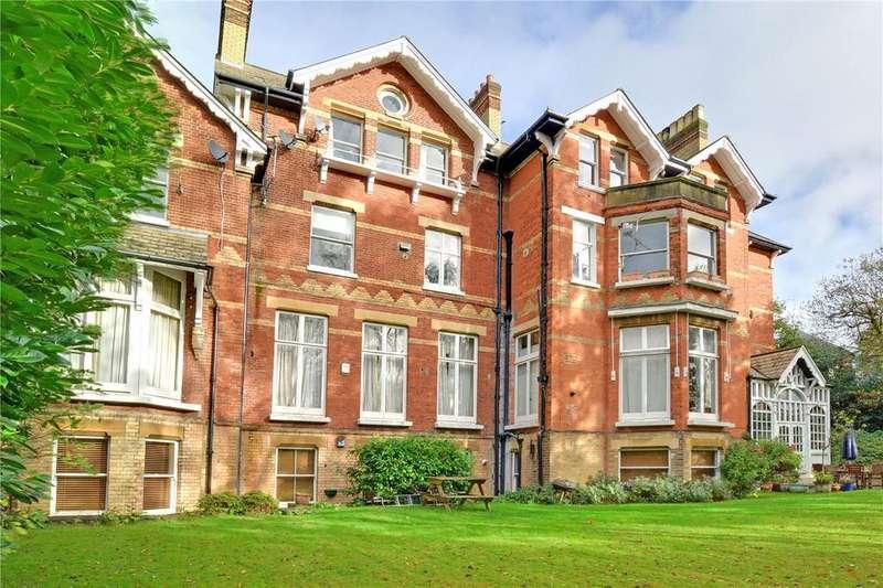 3 Bedrooms Flat for sale in Camden Wood, 48 Yester Road, Chislehurst, BR7