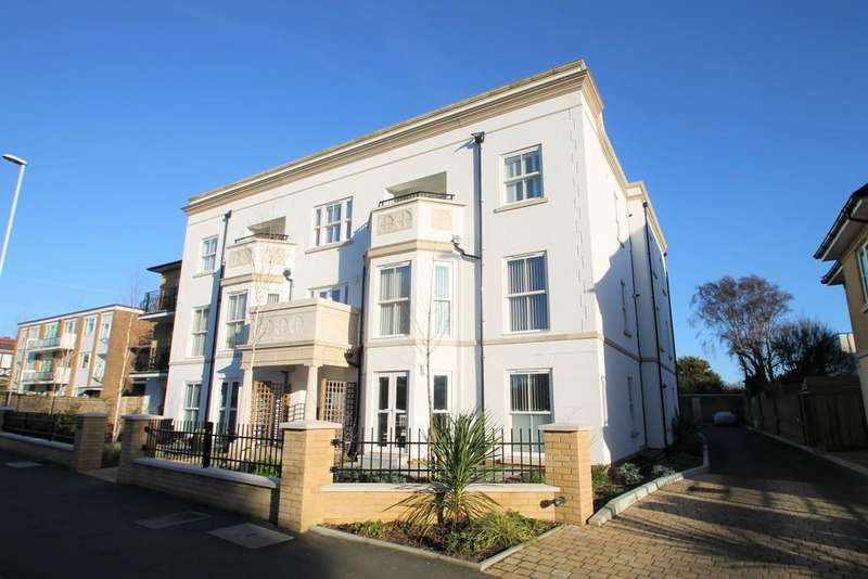 2 Bedrooms Ground Flat for sale in Wyresdale House, Heene Road, Worthing, BN11 3RE