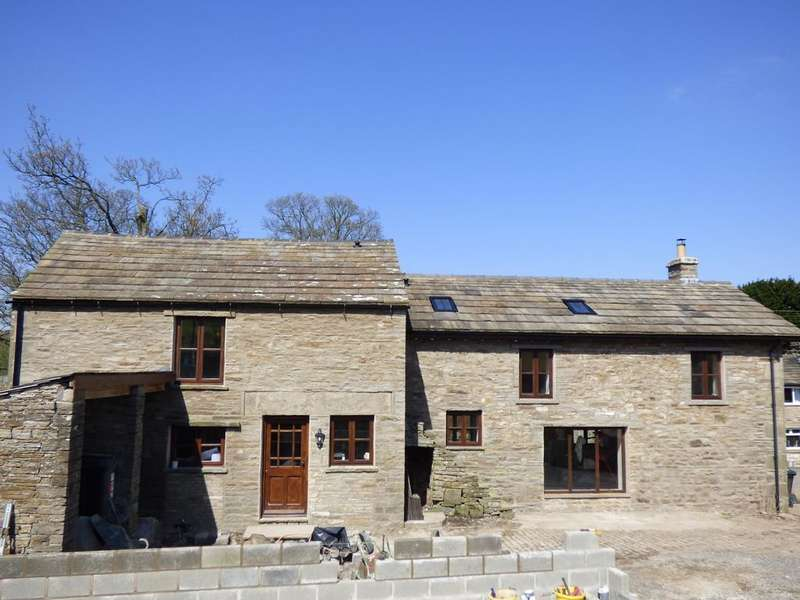 3 Bedrooms Barn Conversion Character Property for sale in Harker Hill Barn, Gayle