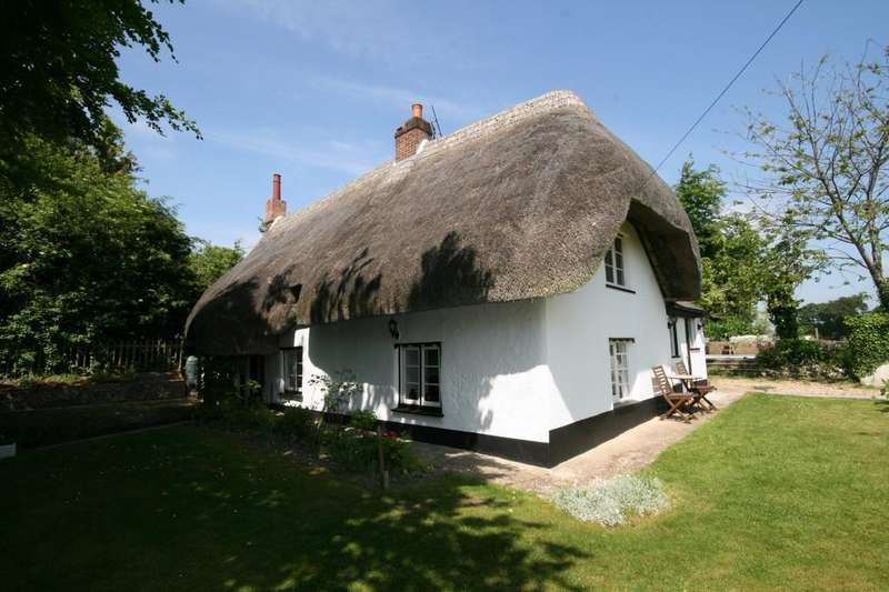 5 Bedrooms Cottage House for sale in THE HOLLOW, SHREWTON, WILTSHIRE SP3 4JY