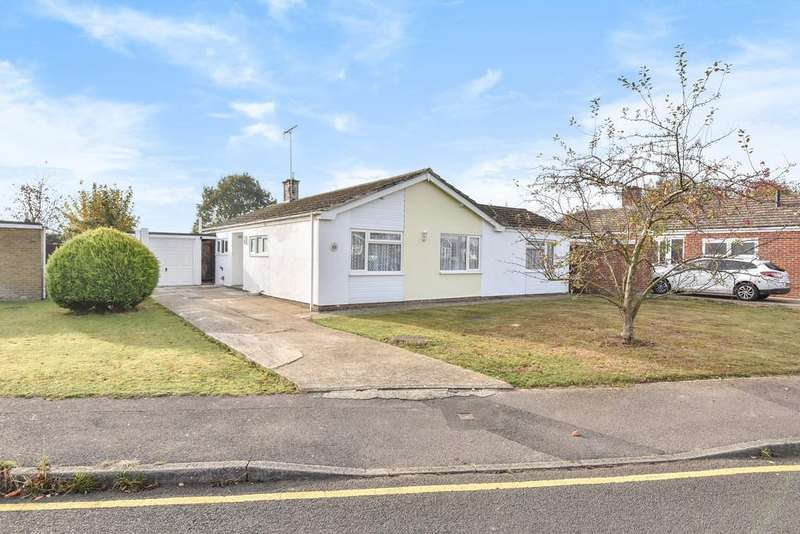 4 Bedrooms Detached Bungalow for sale in Headcorn Village