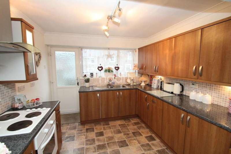 2 Bedrooms Terraced House for sale in Ellacombe Road, Torquay