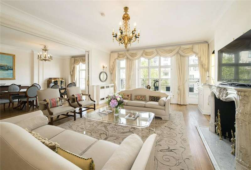 4 Bedrooms Flat for sale in Portland Place, Fitzrovia, London, W1B