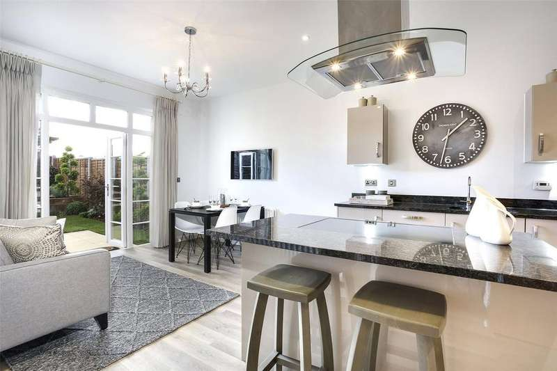 5 Bedrooms Detached House for sale in Austen Drive, Winchester Village, Winchester, Hampshire, SO22