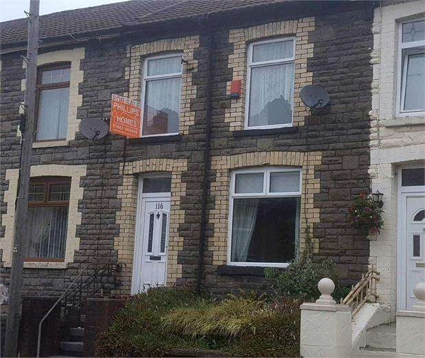 3 Bedrooms Terraced House for sale in Brithweunydd Road, Trealaw, Trealaw, Rhondda Cynon Taff. CF40 2UG
