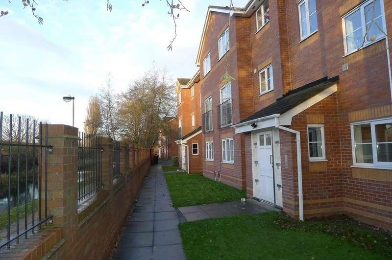 2 Bedrooms Flat for sale in Weston Drive, Bilston